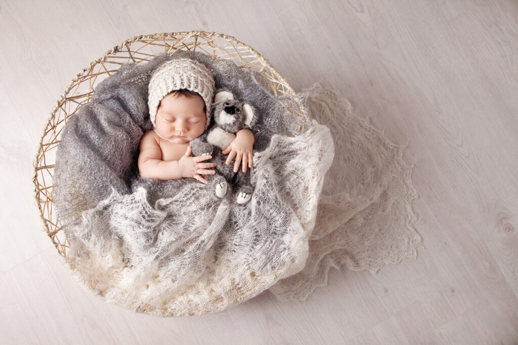 Guide to Choosing Newborn Photography Props